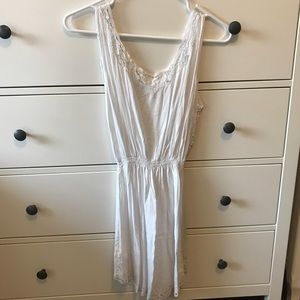 NWT Tiare Hawaii eyelet dress
